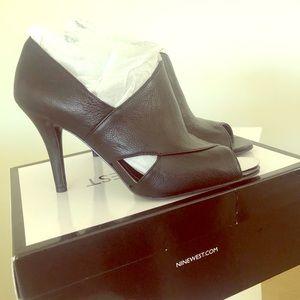 Black sz 8.5 heels